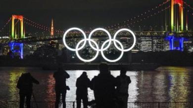 صورة طوكيو تعيد النصب التذكاري الأولمبي العملاق بعد الصيانة