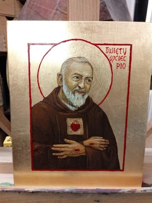 Napisy na ikonie - ostani etap pisania ikony Ojca Pio