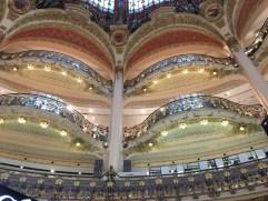 """In dem Kaufhaus """"Galeries Lafayettes"""""""