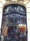 Schmiedeeisernes Tor im Stadtteil Montmartre