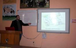 كلية الطب البيطري / جامعة القادسية تقيم دورة تدريبة عن تقنيةmaldi tof