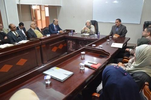 رئيس جامعة القادسية يلتقي بأساتذة كلية علوم الحاسوب وتكنولوجيا المعلومات ويشيد بالإنجازات المتحققة