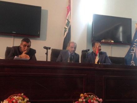 كلية القانون في جامعة القادسية تقيم ندوة حول (السلوك المهني للمحامين )