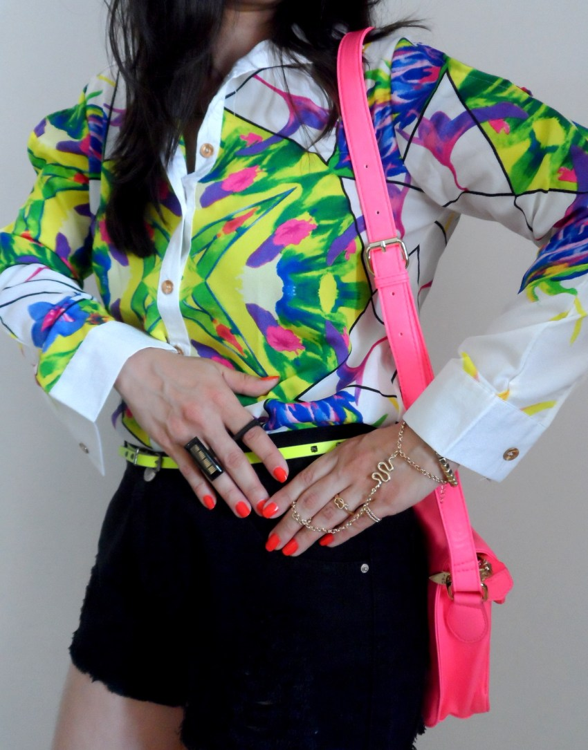Look do dia - Floral Print, Neon and Black