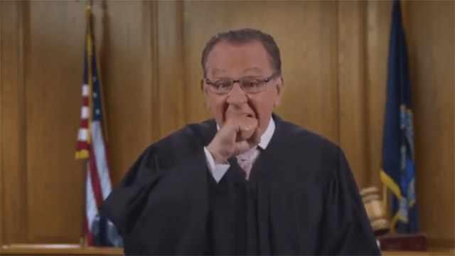 ʀʜᴏᴅᴇ ɪsʟᴀɴᴅ Judge Caprio ᴇxᴘʟᴀɪɴs Italian hand gesture (ɪғ ɪ ᴄᴀᴛᴄʜ ʏᴏᴜ)