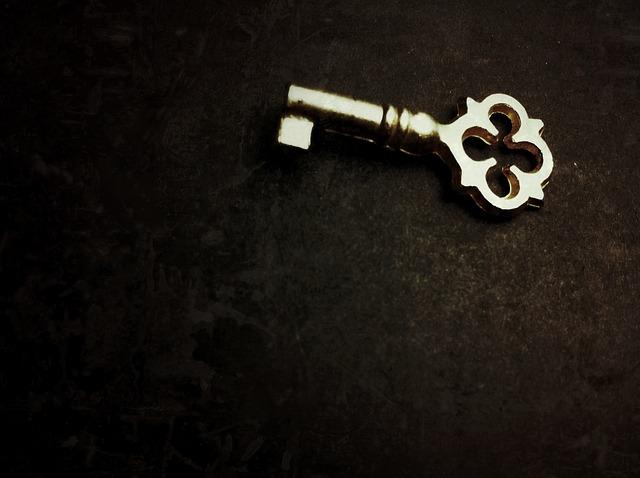 【ラッキーモチーフ】未来を拓く『鍵』のモチーフ!『錠』と合わせて絆を強固にするパワーも♪
