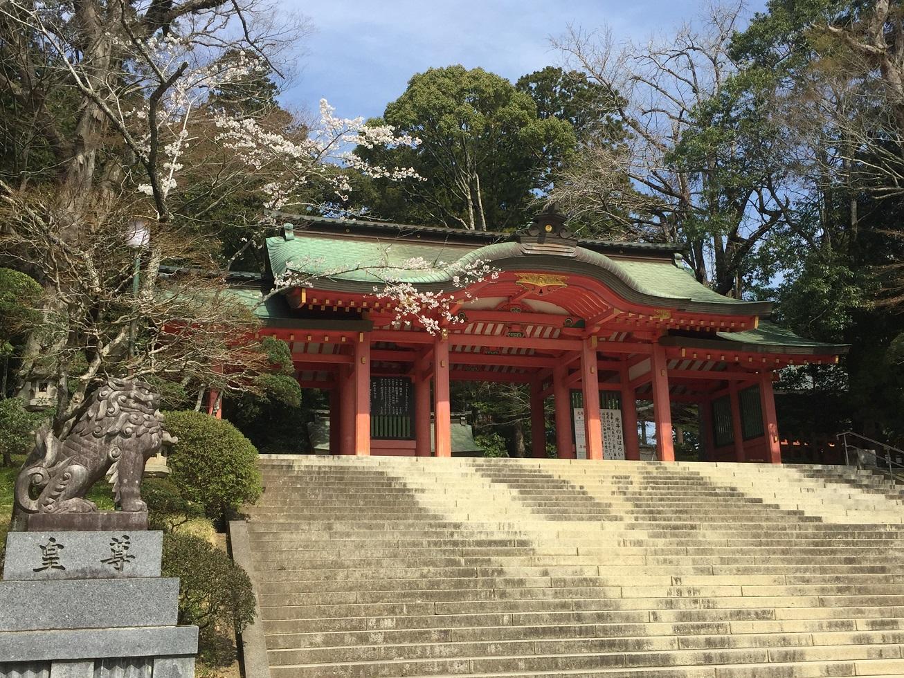 【東国三社】桜が美しい季節の『香取神宮』に参拝!車ならアクセスも容易です♪