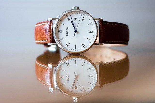 シックな腕時計