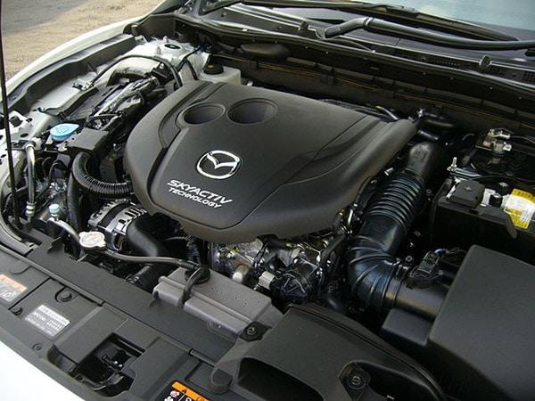 Xe-Mazda-khong-nen-dung-xang-e5-hoac-a92
