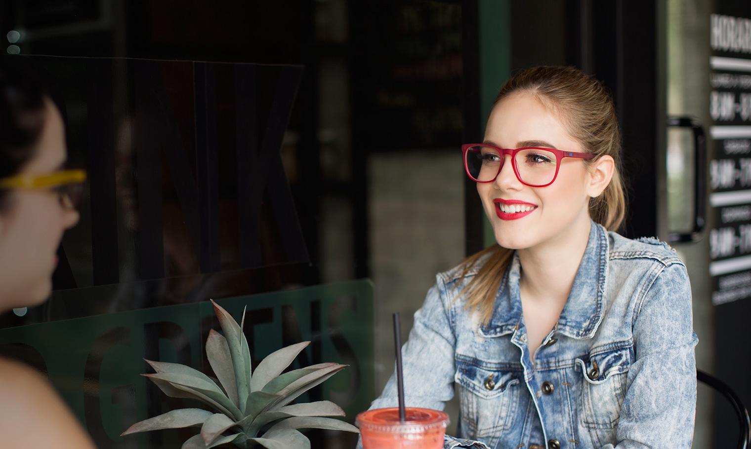 chicas con lentes