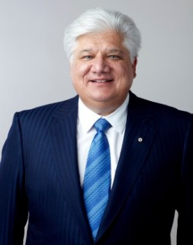 This image has an empty alt attribute; its file name is Mike.jpg Mike Lazaridis, the founder of Blackberry at his quantum Valley Investment Fund which has its focus on Investment in the Quantum Sector.