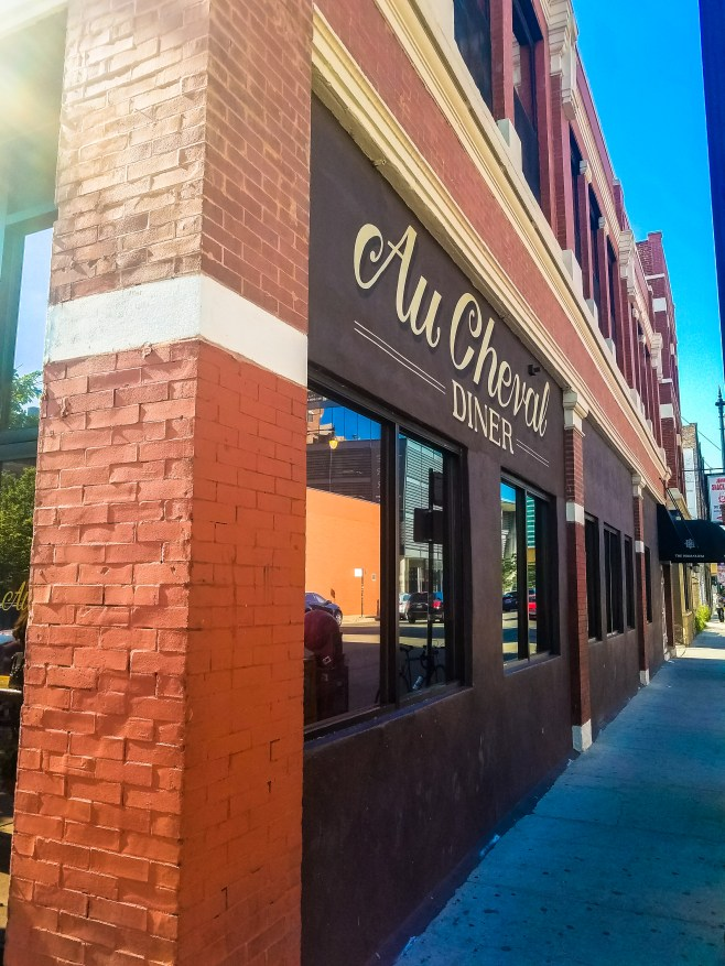 Au Cheval, Chicago Review