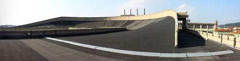1000px-fiat_lingotto_rooftop_racetrack_2