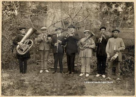 """Nofre Monzó Coll, Màxim, Manolo """"Flautí"""" (germà de Màxim), Peris, Micalet Sanmartín """"El Satet"""", El Tio Vento, Salvador Monzó Devis (Any 1910) [Col·lecció Família López Monzó]"""