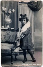 Retrat fet pel fotògraf J. Llopis (C/ Barcas, 5 València). Any 1923 [Col·lecció Família López Monzó]