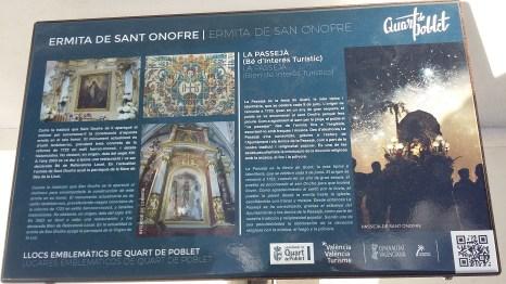 Panel explicatiu a la porta principal de lermita de Sant Onofre