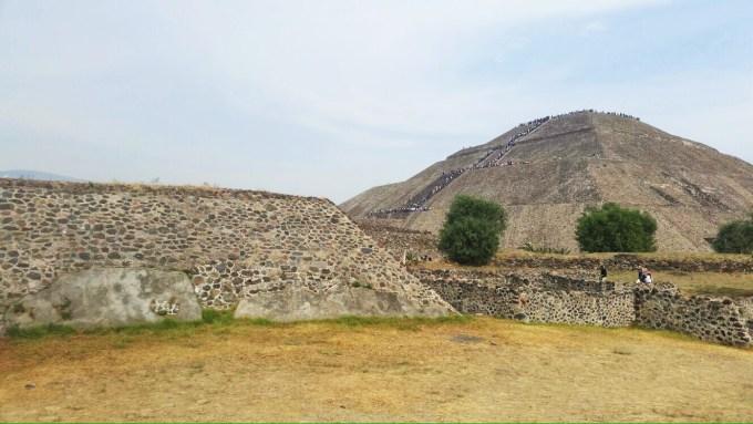 Vista da pirâmide do Sol, em Teotihuacan, no México