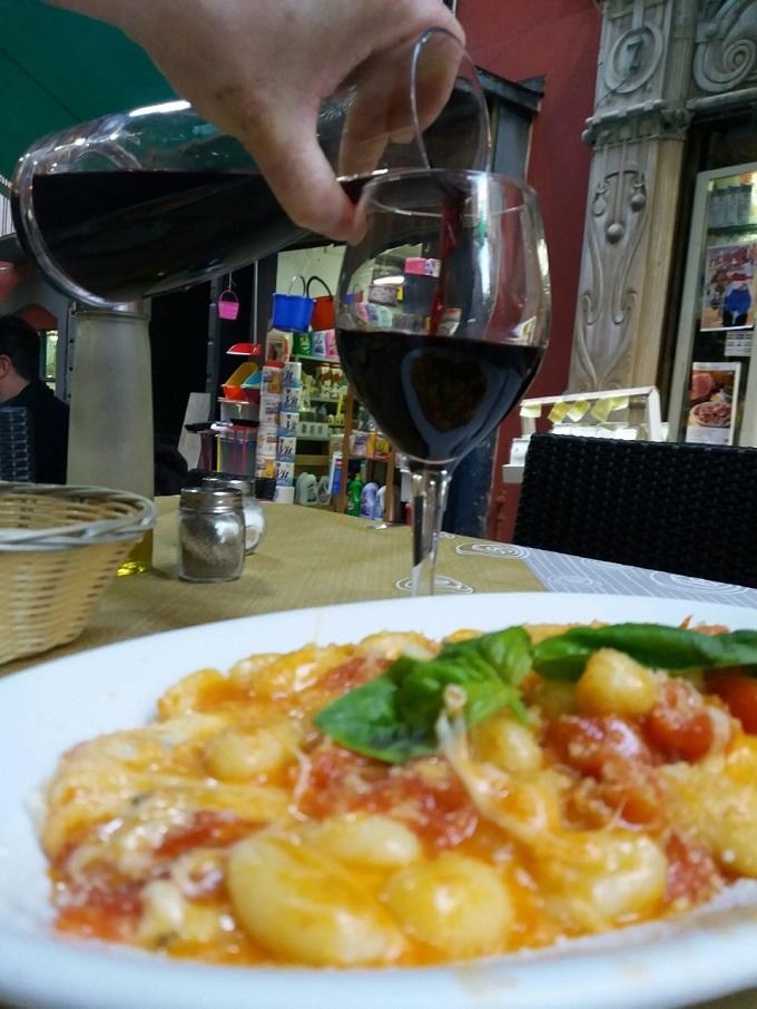 Restaurante no Quartieri Spagnoli, em Nápoles