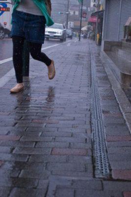 梅雨の街並み