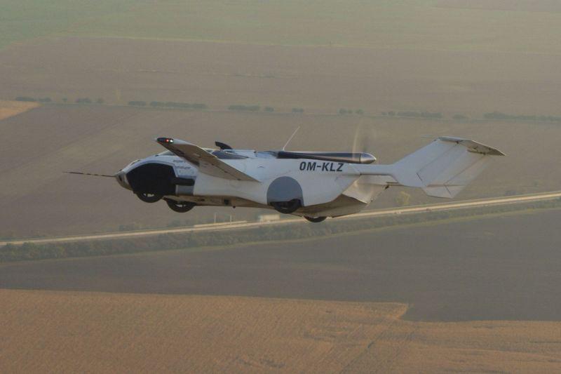 AirCar em voo