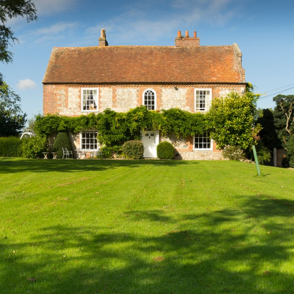 Apuldram Manor House - Exterior