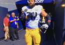 Alejandro Villanueva Stands For National Anthem despite the rest of Steelers stayed in locker room