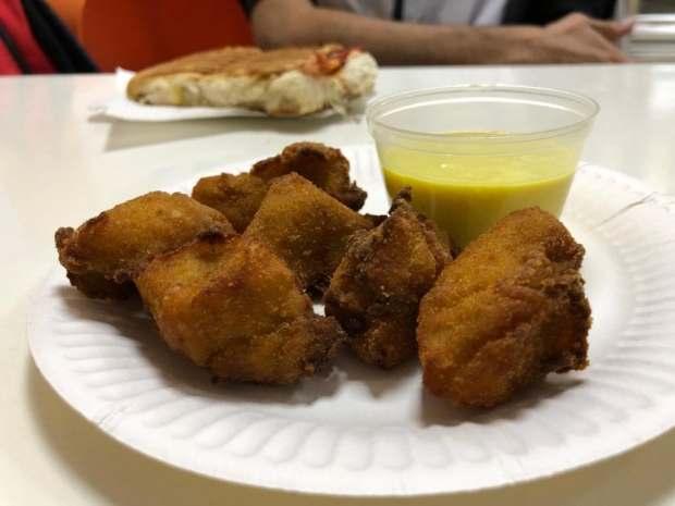 El jarton pollo con salsa