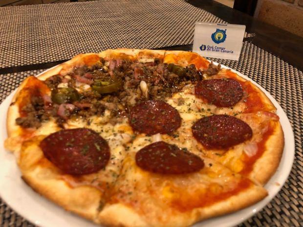 Pizza cachitos Pizzeria Cachitos