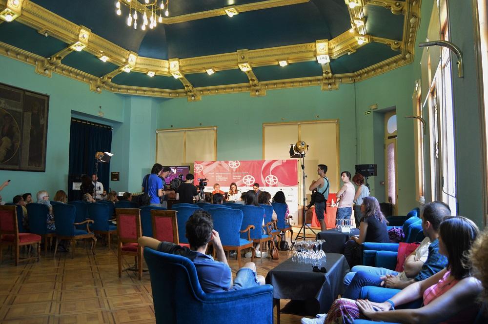 Aspecto del Salón Azul del Casino de Huesca durante la presentación de los premios.