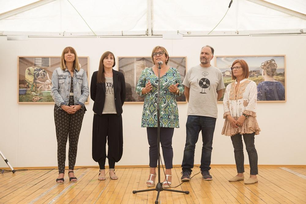 De izquierda a derecha, Berta Fernández Pueyo, Ana Palacios, Elisa Sancho, Luis Lles y María Isabel de Pablo. Fotografía de Javier Broto.