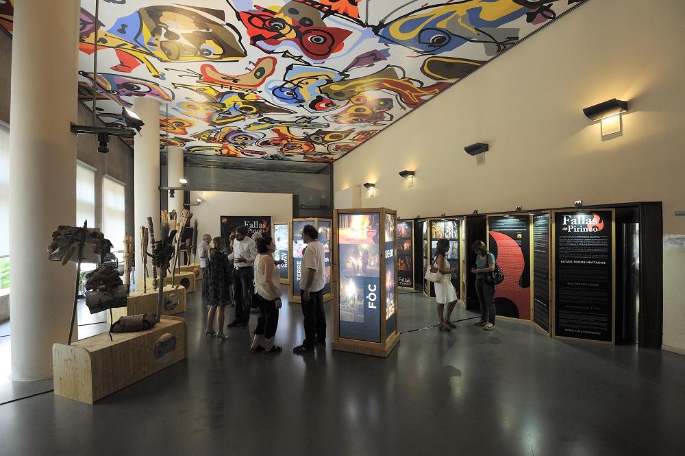 Vista general de la exposición itinerante sobre las Fallas del Pirineo.
