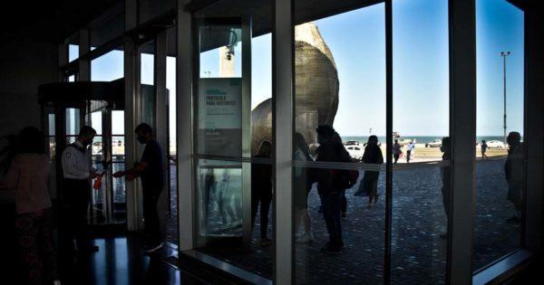Luego de 10 meses, el Museo MAR reabrió sus puertas: un recorrido por las muestras