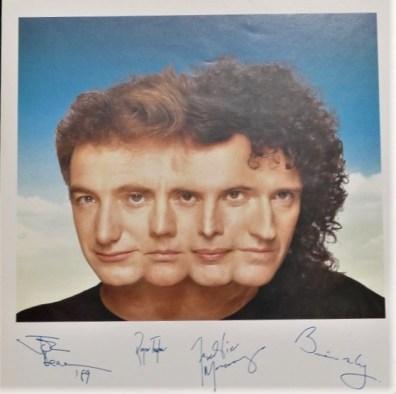 Maxi 45 Tours Autographed Colour Print UK