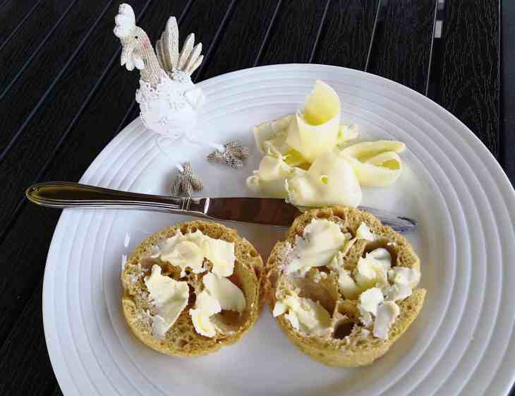 90 Seconds Low Carb English Crumpets