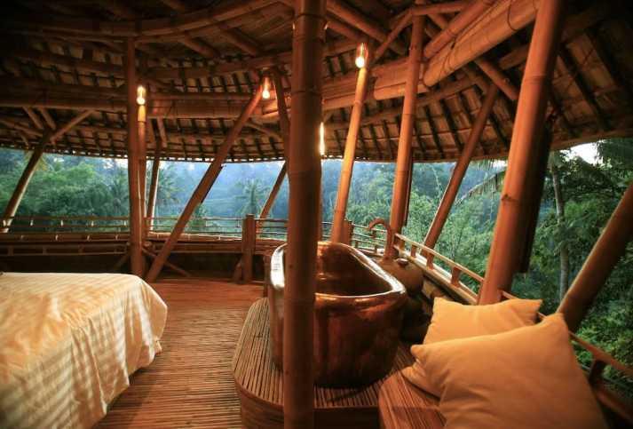 Ein Baumhaus in Bali