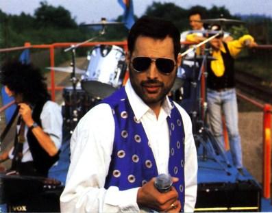 Freddie - Making Of Breakthru 1989