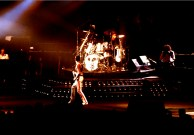 queen-live-in-1982-picture-002