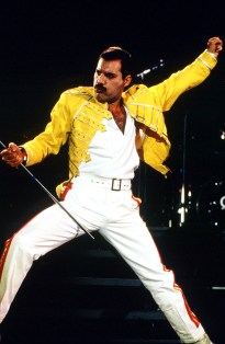 freddie-mercury-at-wembley-1986