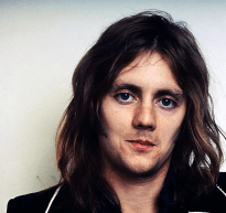 roger-in-middle-70s