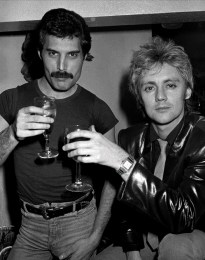freddie-and-roger-at-a-new-years-eve-party-at-legends-nightclub-in-london-in-december-1980-photo-by-richard-young