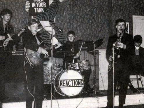 The Reactions podczas świątecznej potańcówki w Truro School, od lewej: Jim Craven, Graham Hankins, Roger Taylor, John Snell i Mike Dudley; Truro, grudzień 1965 r.