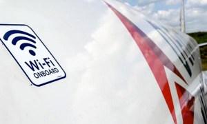 Avión de Delta con el logotipo de Wi-Fi. Foto cortesía