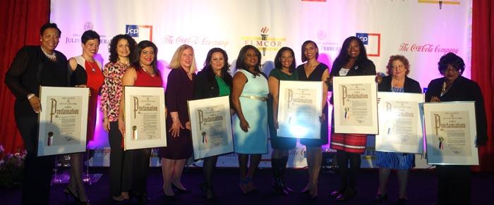 Las honradas durante el Mes de la Mujer y compartiendo con la concejal Julissa Ferreras y las representantes de Coca-Cola y NY1. Fotos Javier Castaño