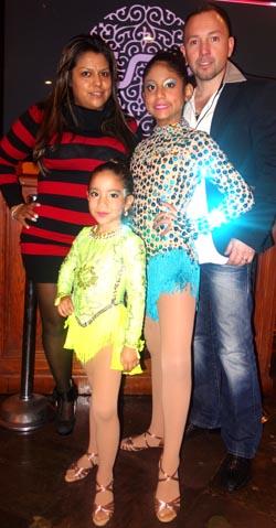 En el restaurante Boulevard, desde la izquierda, María, Ashley, Gabriela y Juan Ochoa.