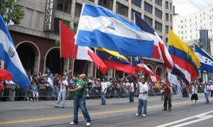 Los inmigrantes latinos contribuyen a la economía de esta nación.