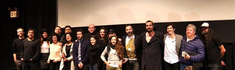 Directores, productores y artistas en la entrega de premio del