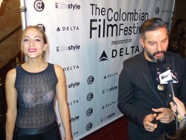 Durante la alfombra roja el día de la apertura de este festival, la actriz Carolina Ravassa y el director de la película Five, Ricardo Gabrielli.