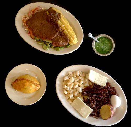 Dos apetecidos platos, el Soltero y el Charquet. Fotos Mauricio Hernández