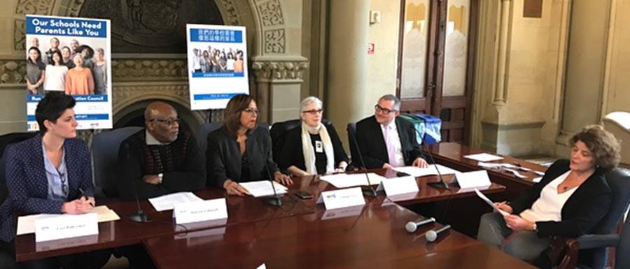 Desde la izquierda, Lori Podvesker, Hakiem Yahmandi, Yolanda Torres, Teresa Arboleda, Isaac Carmignani y Maité Junco, Asesora Principal de Comunicaciones y Asuntos Externos para la Canciller de Educación Carmen Fariña.