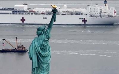 Barco militar en Nueva York para atender pacientes